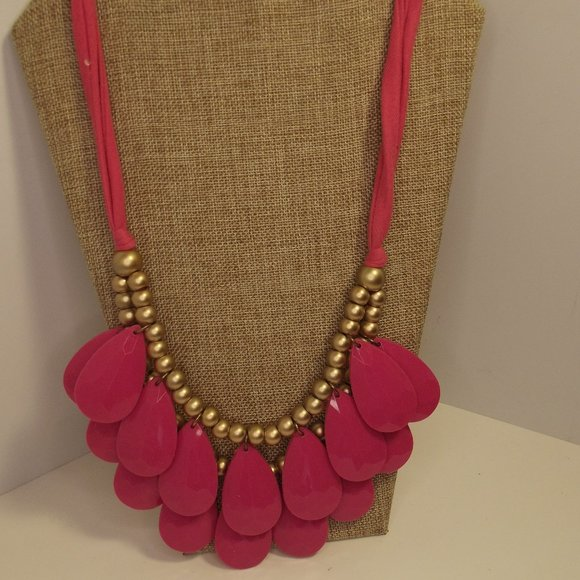 Necklace Large Pink Teardrop Beaded Gold Tone